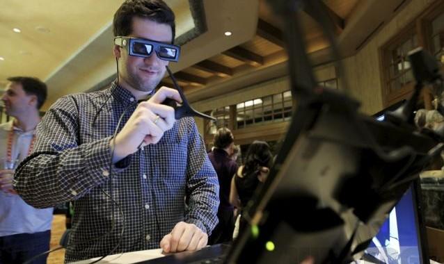 Sculpting in Virtual Reality: Meet Leonar3Do